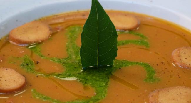 Zuppa di fagioli al pesto