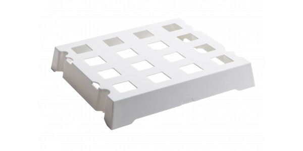 White ABS tray of 16 S'Panito baskets